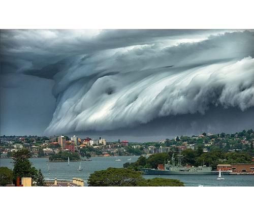 5 Cloud Images Tsunami Hits Sydney